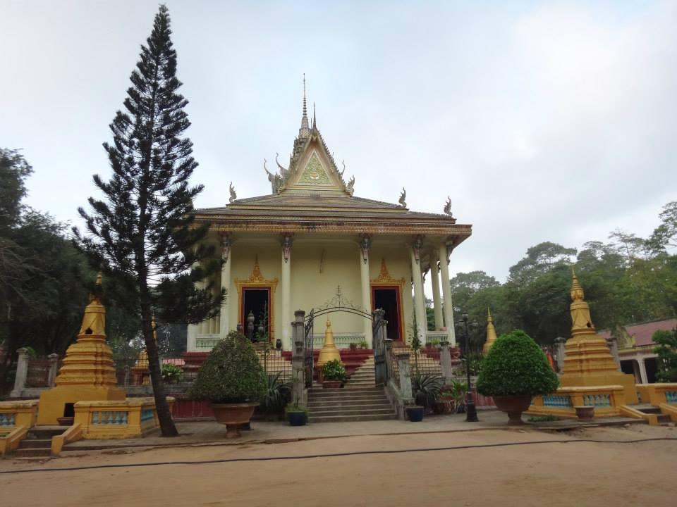 chùa Âng