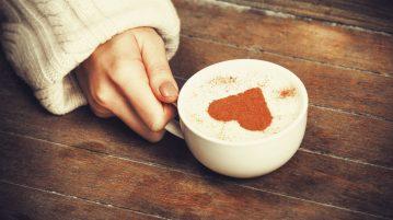 winter-girl-having-love-coffee