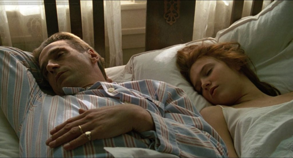 lolita nang lolita 1997 12 1024x555 - Lolita (1997): Vẻ đẹp ngọt ngào và tình yêu cuồng loạn - trai-nghiem, giai-tri