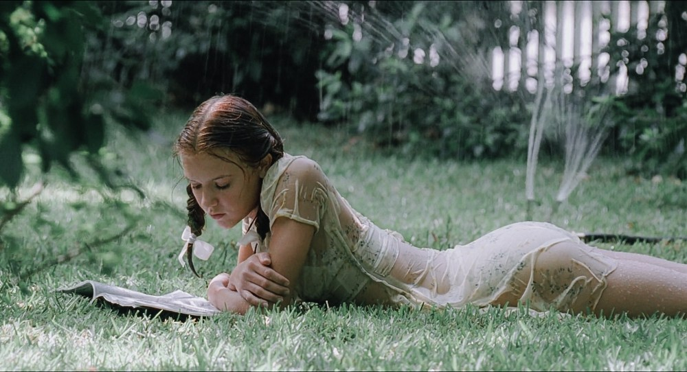 lolita nang lolita 1997 6 - Lolita (1997): Vẻ đẹp ngọt ngào và tình yêu cuồng loạn - trai-nghiem, giai-tri