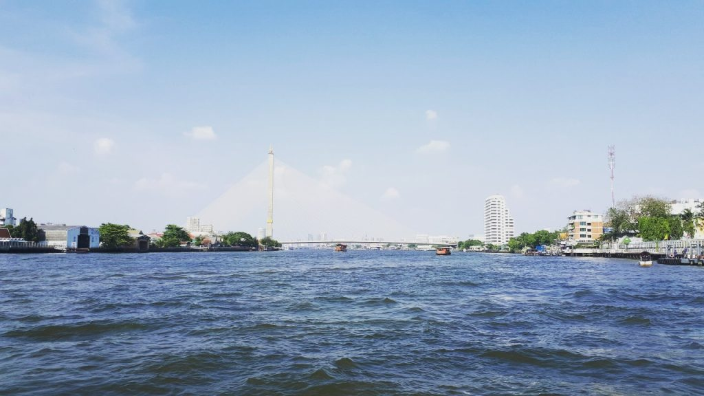 hop-on-hop-off-chao-phraya-bangkok