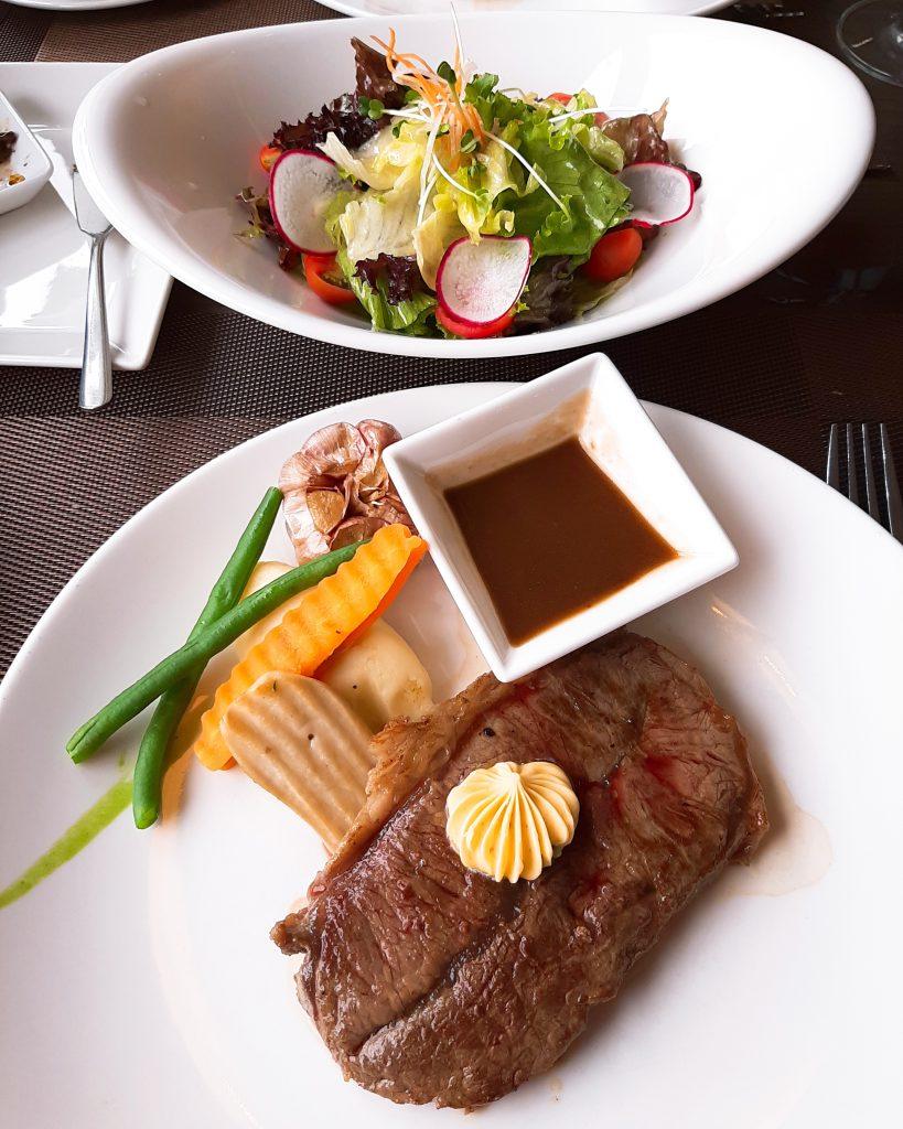 Le monde steak trung hoa 5 819x1024 - Le Monde Steak: Thưởng thức món ăn ngon trong không gian lãng mạn - trai-nghiem, am-thuc